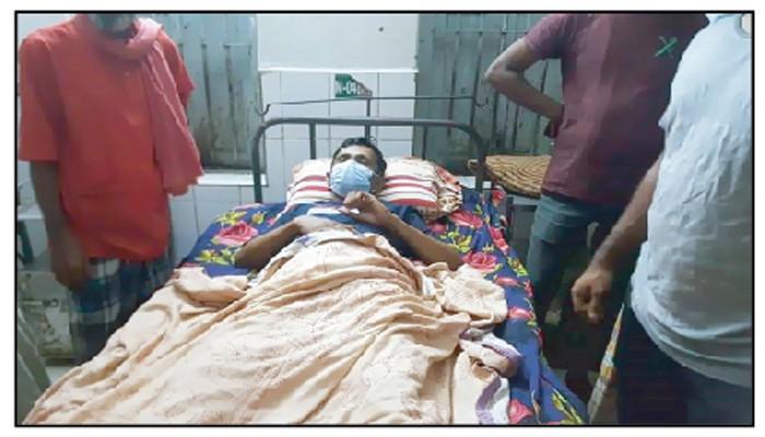 <span style='color:#000;font-size:18px;'>ওসমানী হাসপাতালে ভর্তি</span><br/> দিরাইয়ে সন্ত্রাসী হামলায় সাংবাদিক আহত